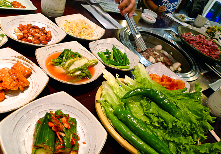 korean bbq spread at seoul house restaurant toronto