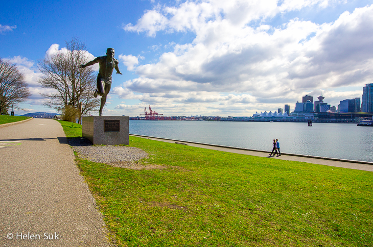 stanley park seawall in vancouver bc