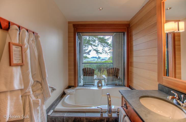 tofino accommodations, wickaninnish inn bathroom