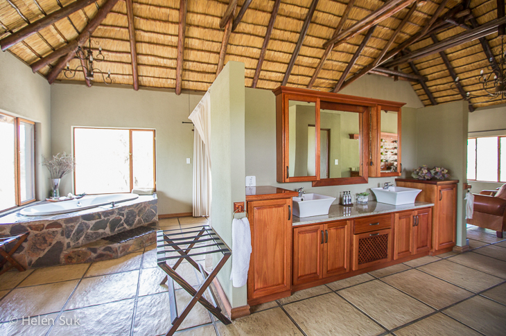 spacious bathroom in the luxury suites at arathusa safari lodge