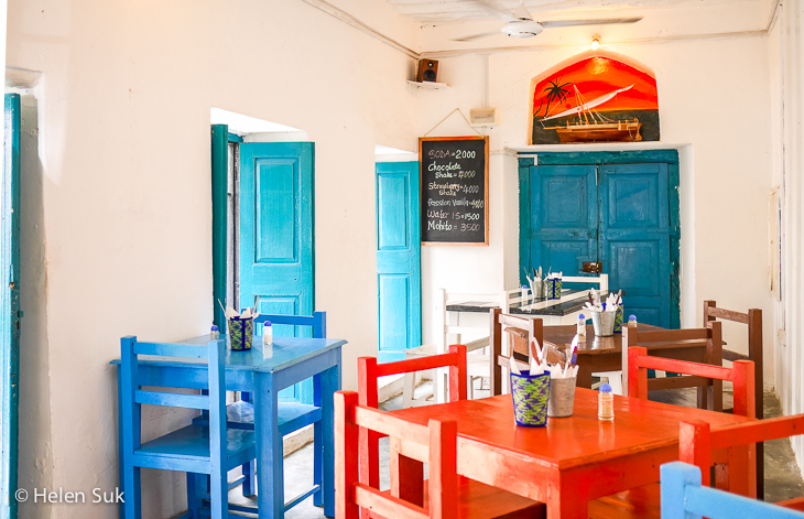 lazuli cafe, best food in stone town
