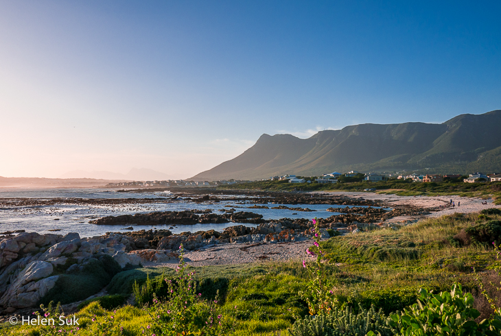 the shoreline at sandbaai hermanus south africa