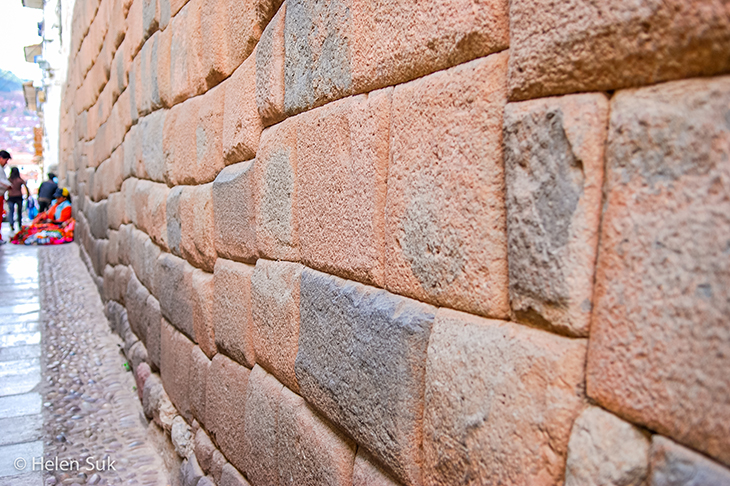 inca stone work in cuzco peru
