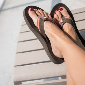 teva mush flip flops, cruise packing list