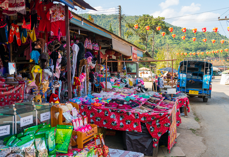 tourist market in mae salong thailand
