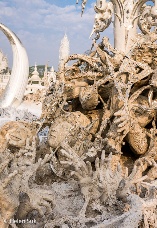 the meaning of wat rong khun