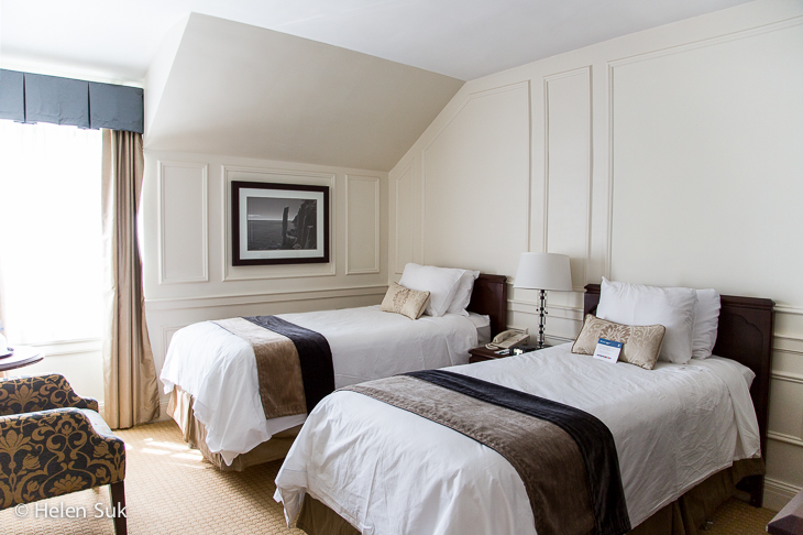 guest room with two beds at digby pines golf resort and spa